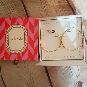 Stella & dot Montery gold hoops